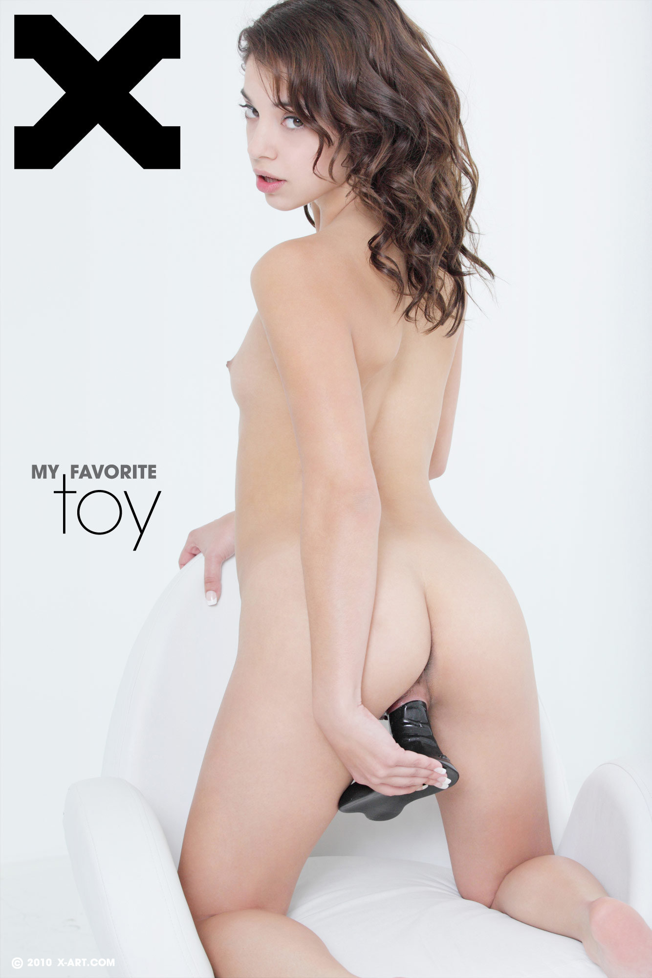 turboimagehost.com imagesize:960x1440bd porn r x art gigi r my favorite toy 01 lrg