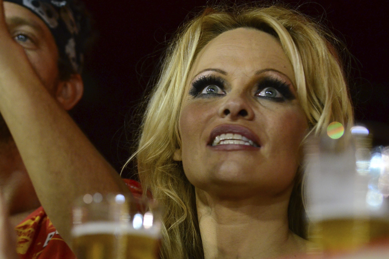 Pamela Anderson - Gallery Photo