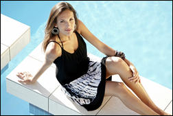 6109738_MCo_SS_2011_SwimWear_Ad_Campaign_11.jpg